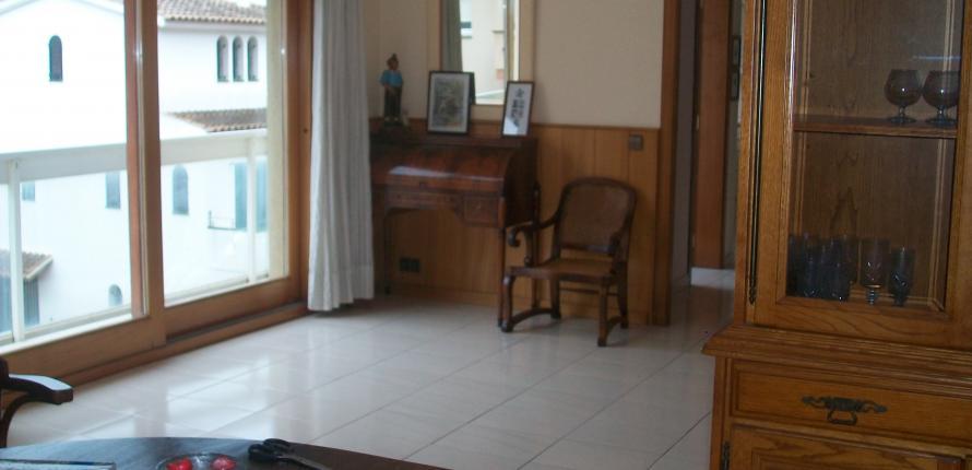 Прекрасные апартаменты-дуплекс в центре города Палафружель